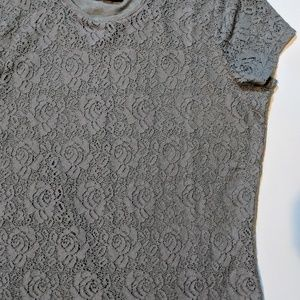 NWT CHAPS Grey Floral Overlay Tee